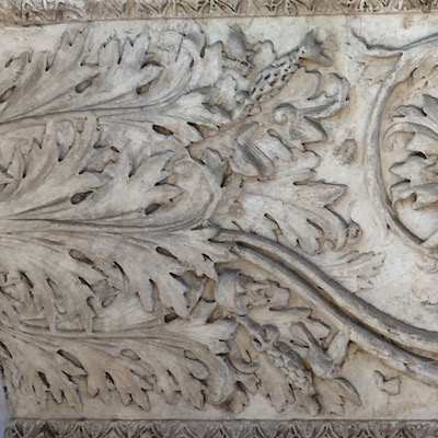 Acanthus S stone 2